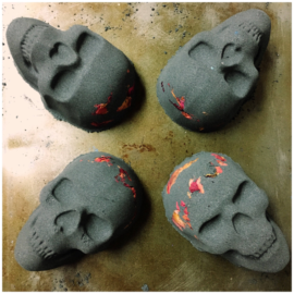 4 black skull bath bombs