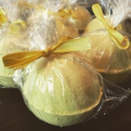 lemon cake bath bombs